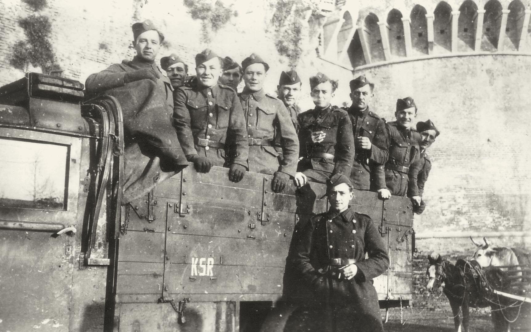 2. Imola, 1944, soldati slovacchi inquadrati nella Wehrmacht (Archivio Cidra)