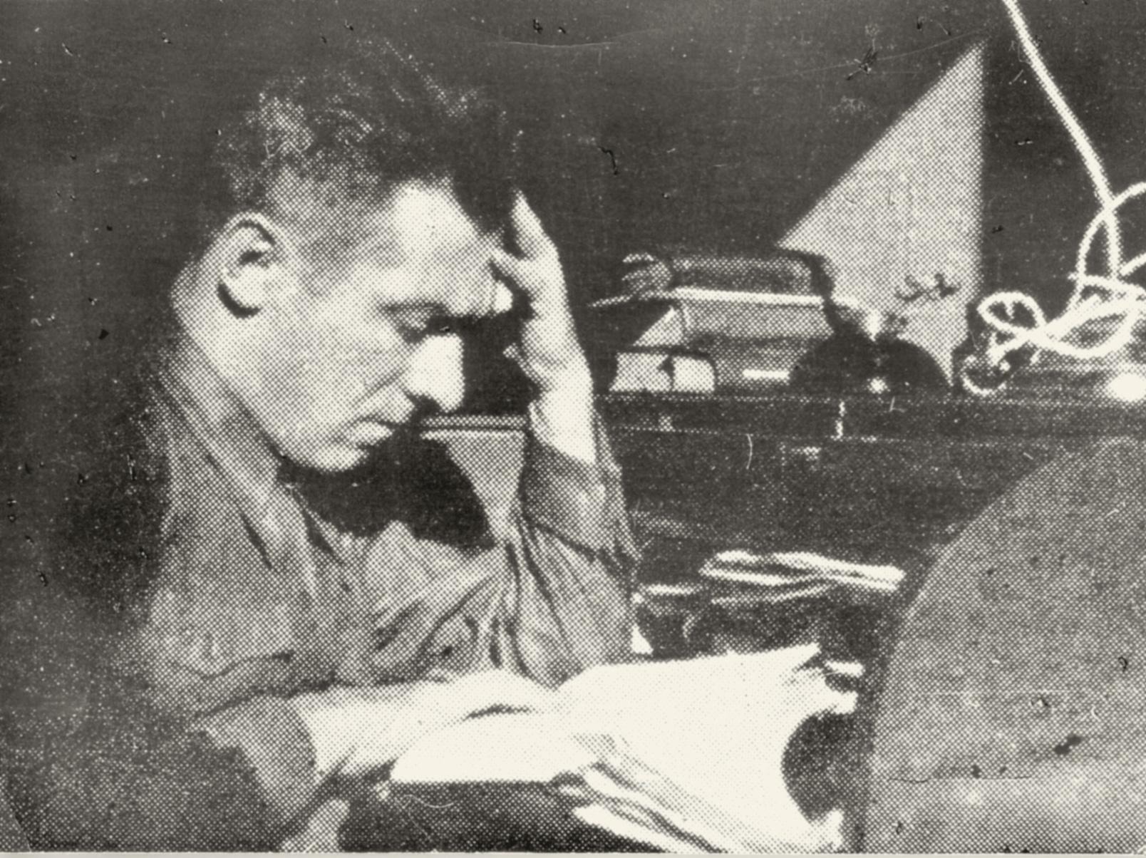 6. Spagna 1937, redazione radio a Madrid: Ezio Zanelli fu impegnato con la sua compagna Giovanna Zanarini nella propaganda per la repubblica (Archivio Cidra)